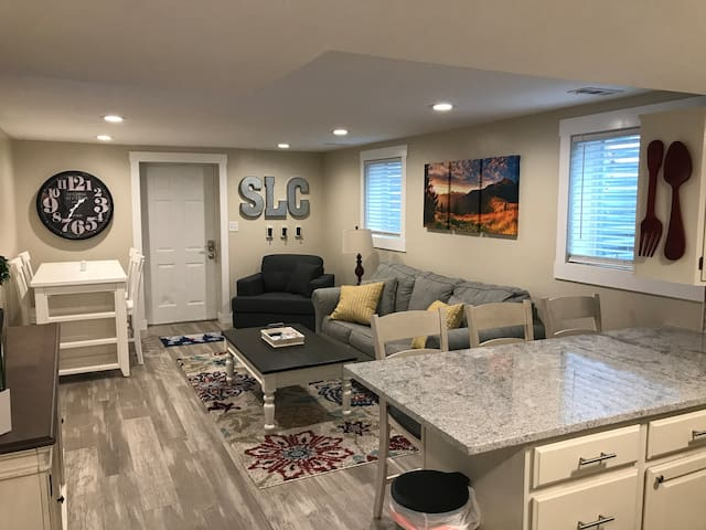 SLC Utah 3 bedroom home close to Mtns. Ski & I-15