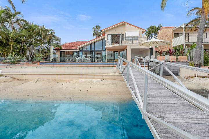 Waterfront luxury, Noosa Heads