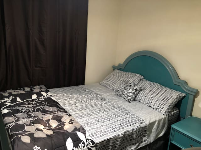 Comfy Room Near Brooks Landing W/Private Parking