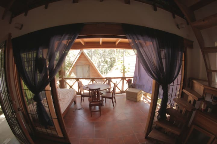 Cozy A-frame Close to beach and Downtown Guiones - Playa Guiones - Casa