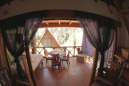Cozy A-frame Close to beach and Downtown Guiones - Playa Guiones - 獨棟