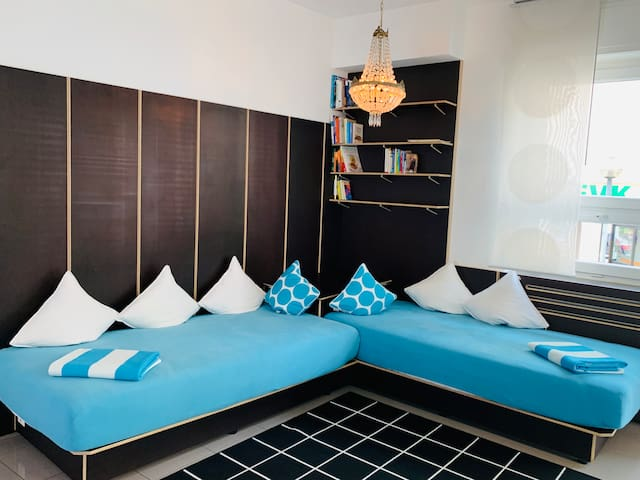 Convertable Sofa 2x 1x2 meter