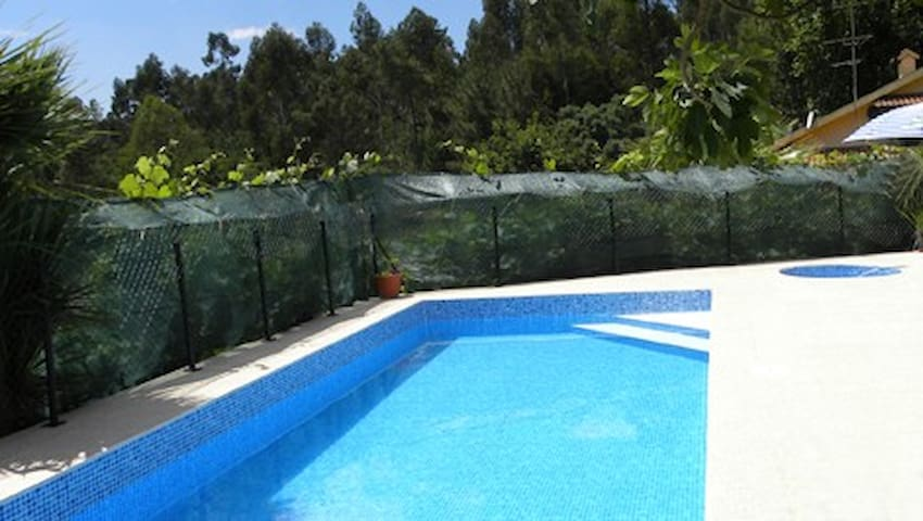 Fontielas Houses | House T1 with shared Pool