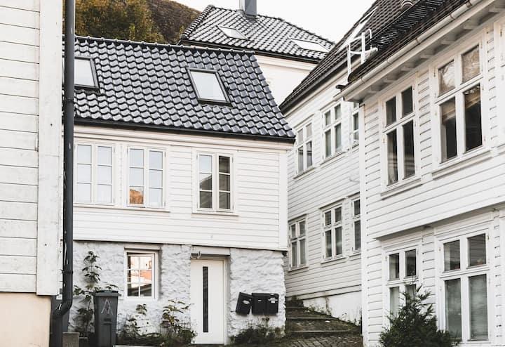 Bergen Castle Studio Apartment