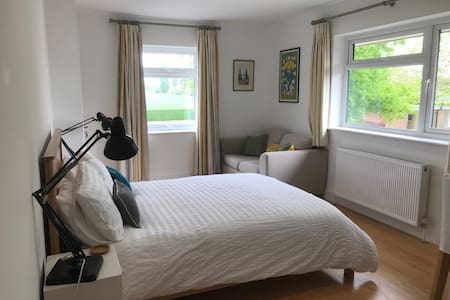 Bosham newly renovated self contained room (B)