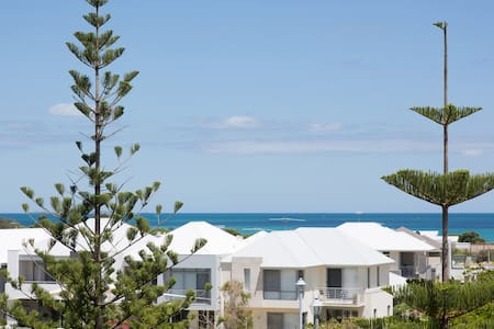 Beach of Plenty Boutique Apartment - Fremantle - North Coogee - Apartmen