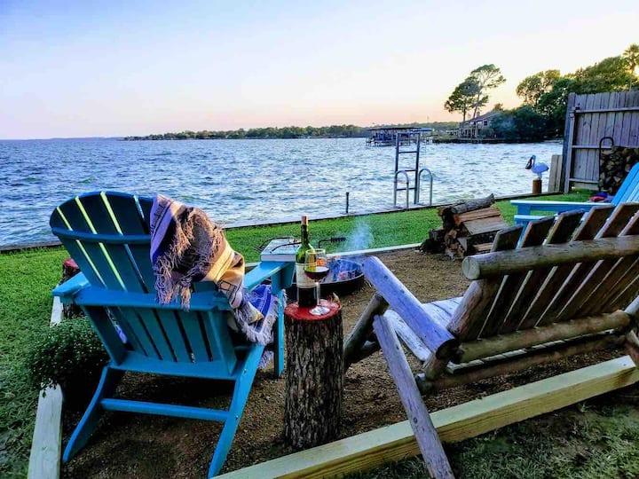 Couples retreat, Lake Livingston, wanta get a way?