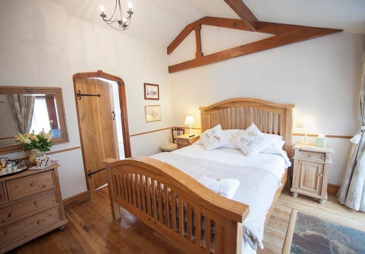 Double room-Premium-Ensuite with Bath-Terrace-Potato Shed