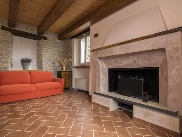 Flat of the Fireplace. Apartment for max 5 persons - Brisighella - Apartamento