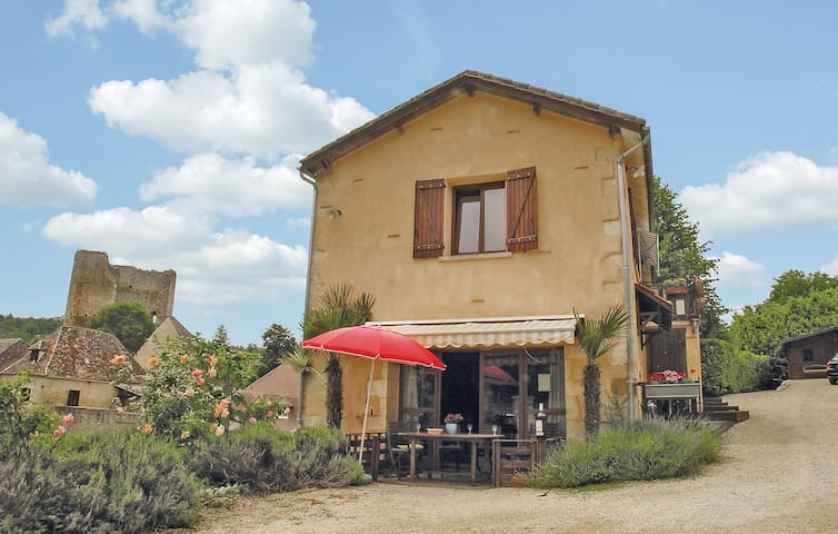 Holiday cottage with 3 bedrooms on 140m² in Cause de Clerans