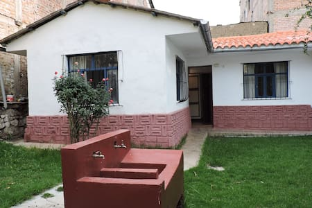 Casa Yuri - Beautiful house in Huaraz - Huaraz - Bed & Breakfast