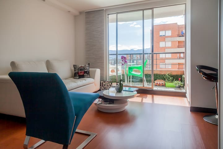 Modern 1BR by-airport, great view! - Bogota - Apartament