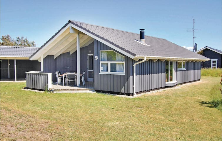 Holiday cottage with 3 bedrooms on 78m² in Hemmet
