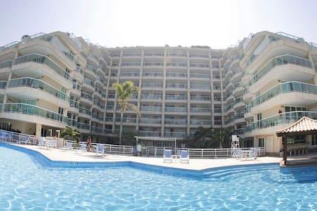 ApartHotel em condomínio a beira mar
