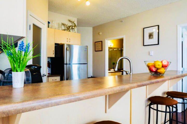Iconic DT High-rise ~ 2BR|2BTH ~ Modern Condo