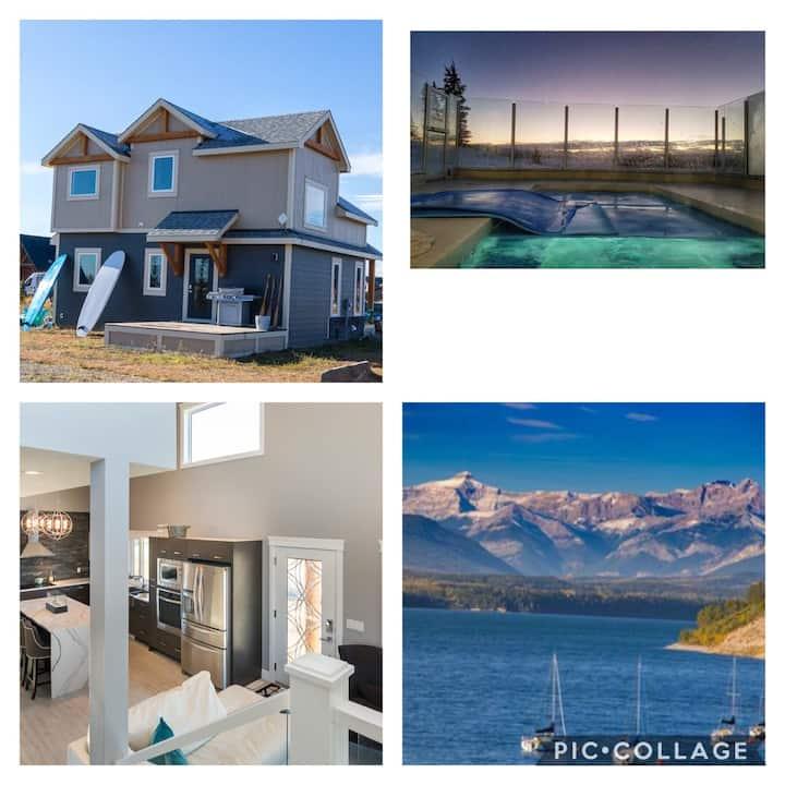 Mountain Beach Retreat Cottage w/ pool Banff