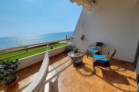 Silvia's romantic Byblos beach Studio