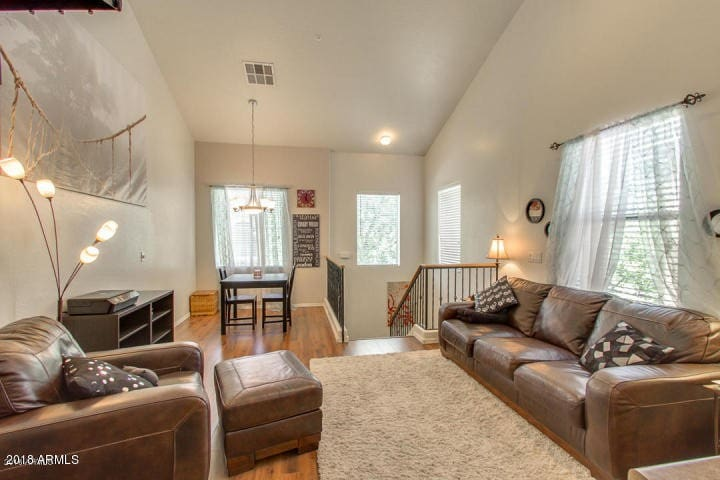 Townhome 3 minute walk to Downtown Gilbert