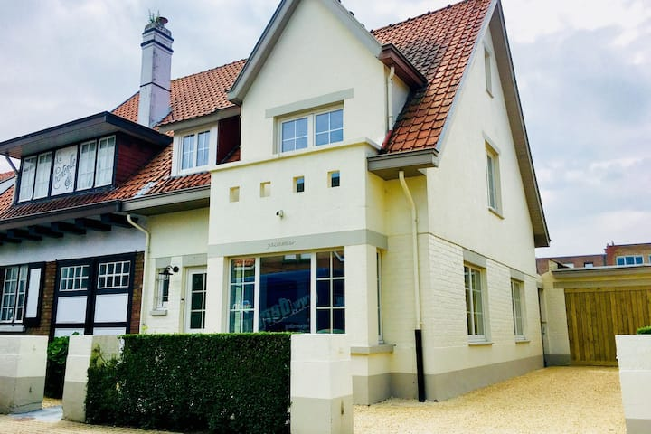 Luxury Villa in De Haan near Sea Beach