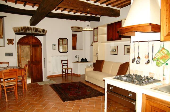 Antico Caminetto a luxury and antique studio