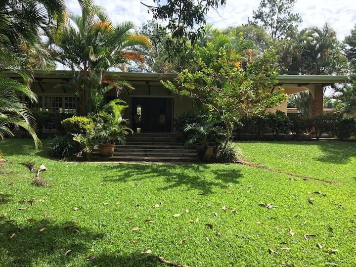Quinta Villa Hermosa, Relaxing Escape, Turrucares