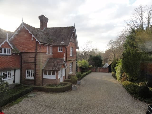 "Annexe at the Old Vicarage ""an oasis of calm"" - West Sussex"