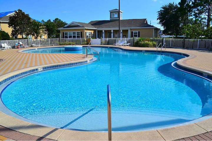 20% off New 4BR w/Pool in Heart of PCB! Sleeps 12!