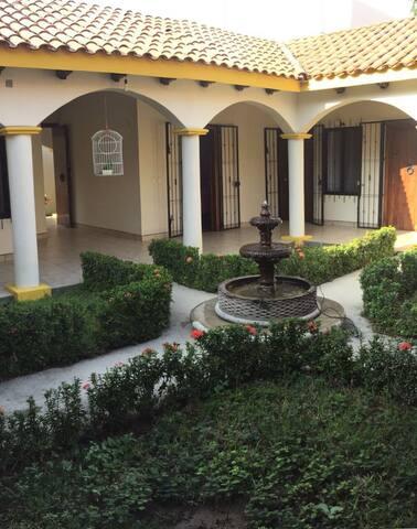Casa con vistas de Tonalá y playas emblemáticas