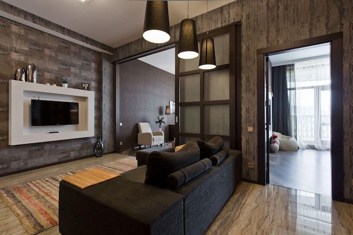 V3 2 BEDROOM+LIVING ROOM, SEA VIEW, ARCADIA PALACE