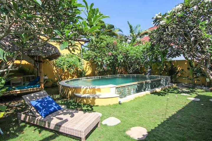 300 m to the Surf - 2 BR CANGGU Beach Villa