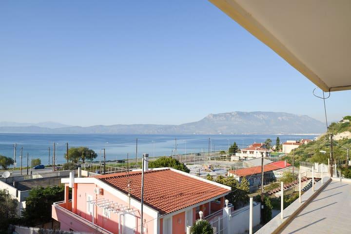 Παραθαλάσσια μεζονέτα στην Κόρινθο! - Corinth - Maison