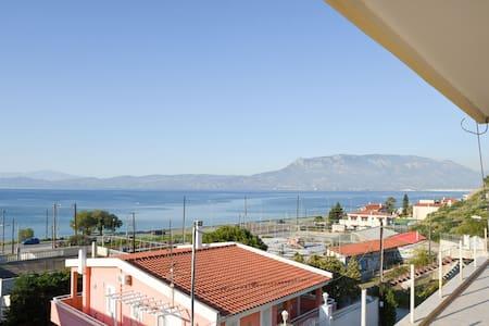 Παραθαλάσσια μεζονέτα στην Κόρινθο! - Corinth