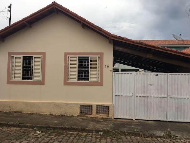 Casa para o carnaval - Santa Rita do Sapucaí - Hus