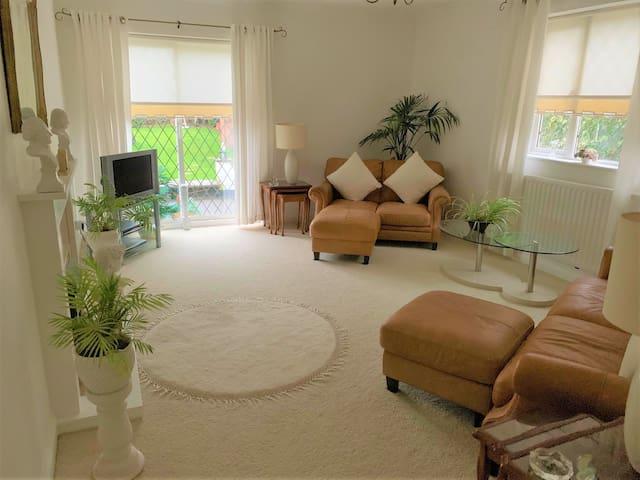 Bray (Berkshire) - Modern stunning Large Bungalow