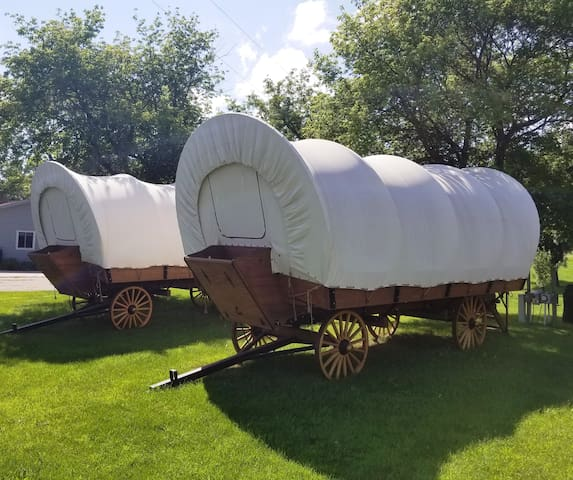 Rose Lake Glamping Wagon #1
