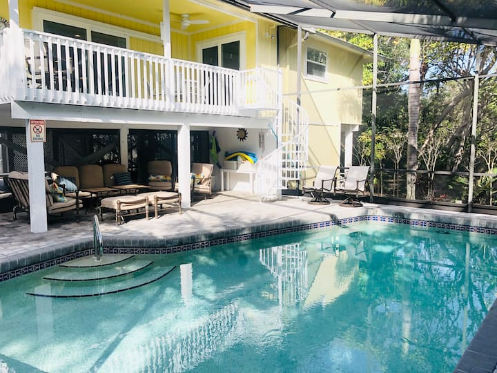 Luxurious Beach Home with Pool on East End Sanibel