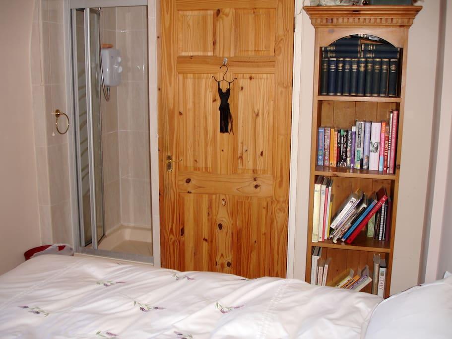 Front bedroom/shower cubicle