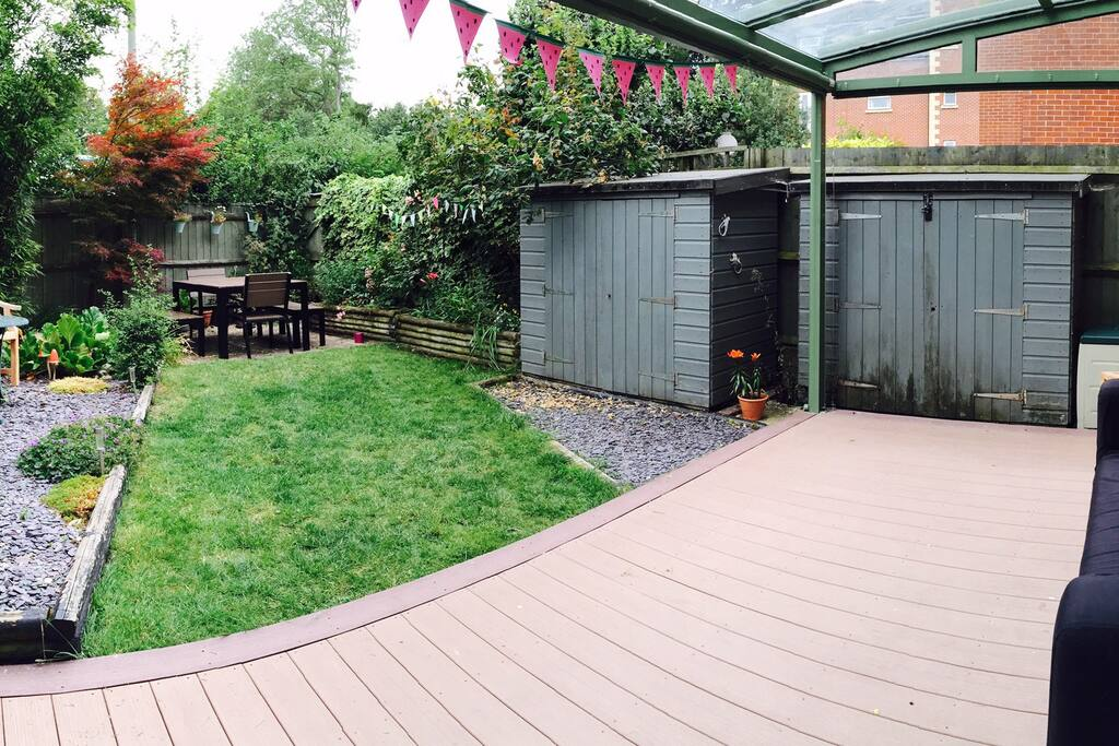 Garden and covered deck