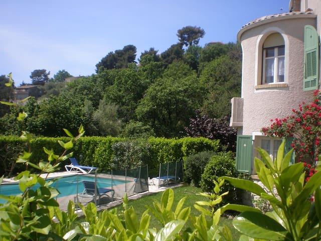 Bastide 160 m²-piscine privative-terrain de boules - Vence - Dom