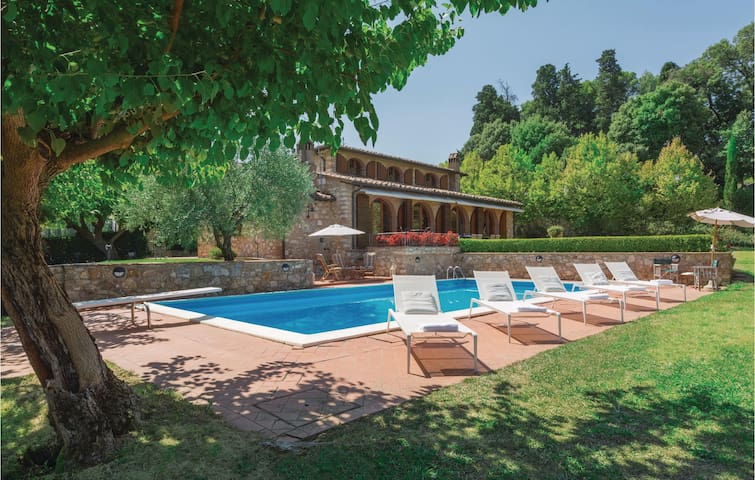 Holiday cottage with 5 bedrooms on 300 m² in Casciana Terme-Lari PI