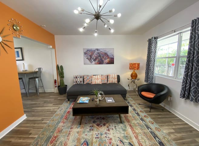 Miami getaway oasis in MiMO close to everything!!!