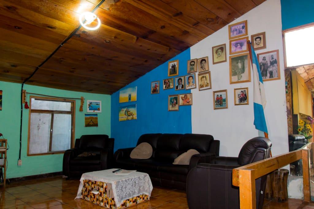 la sala de posada Maya Maná