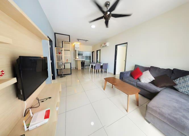 【NEW】3 BEDROOM @ Ara Damansara LRT 走路到捷運站10分鐘 *I01