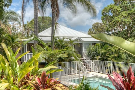 The Queenslander - family paradise amongst palms