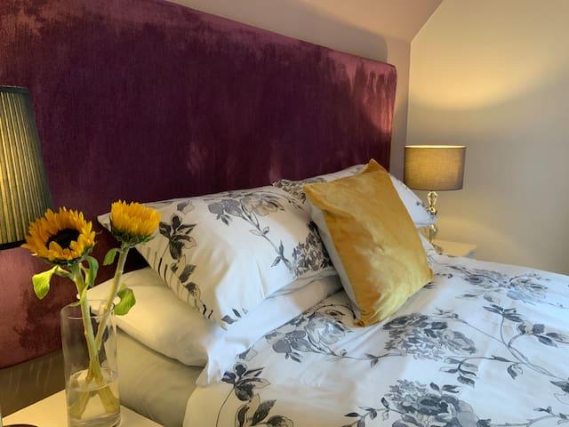 Corran House Inverness Double en suite room.