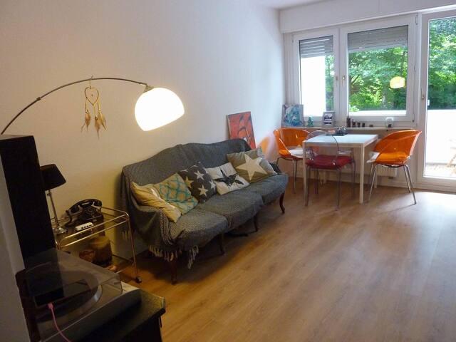 Cosy 2 room flat/ gemütliche 2 Zimmer Wohnung