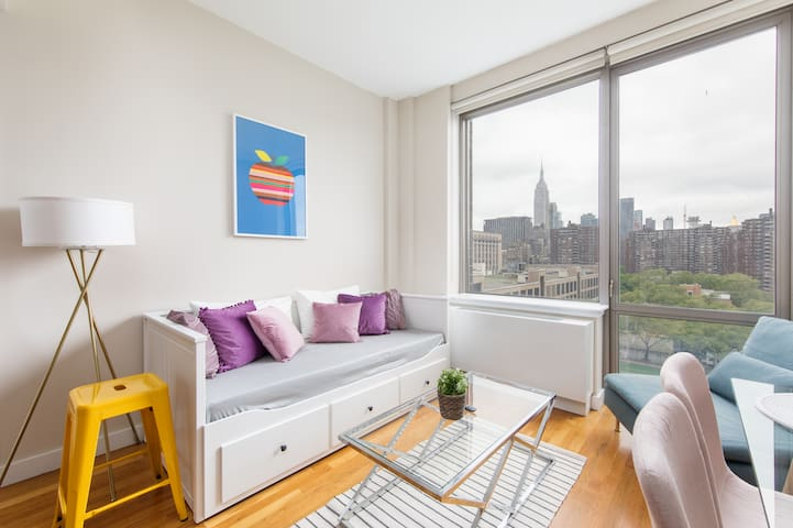 2 BD apt! in hip Chelsea with breathtaking views!