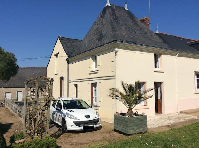 Maison au coeur d'un Domaine viticole