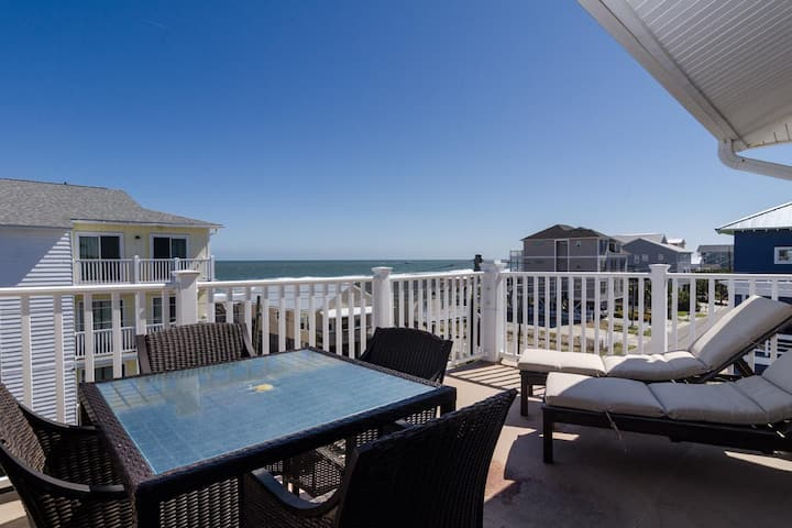 Seaside Retreat-Beautifully Decorated Ocean View Condo With Boutique Like Features!