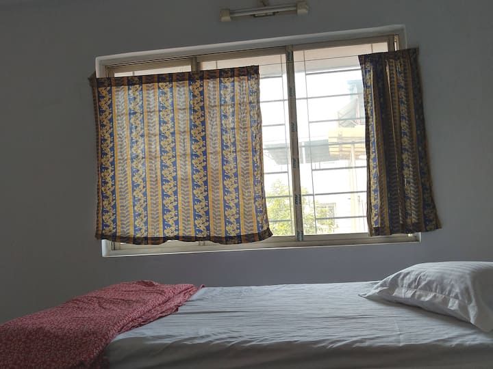 In south calcutta  ,spacious , with multifacilties